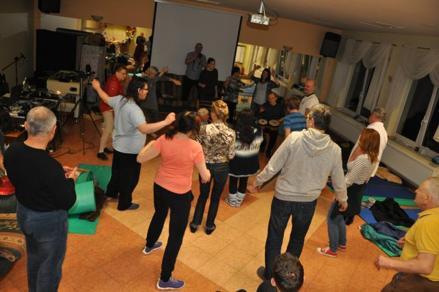 DSC_0150 grupa tanczy