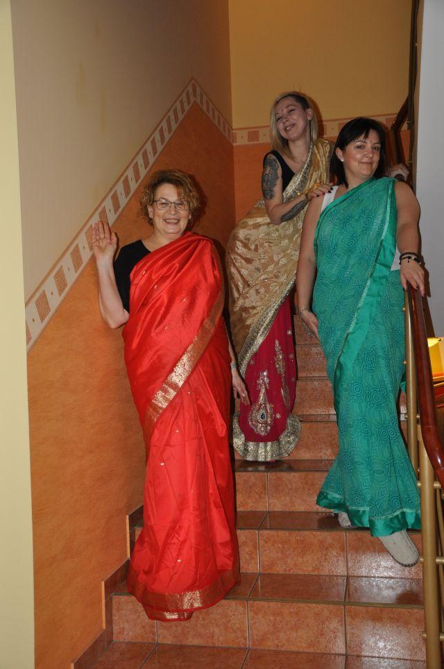 3 dziewczyny w sari ewa