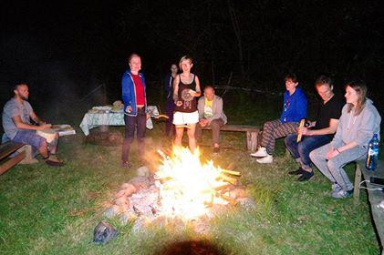 kilbaski nad ogniskiem